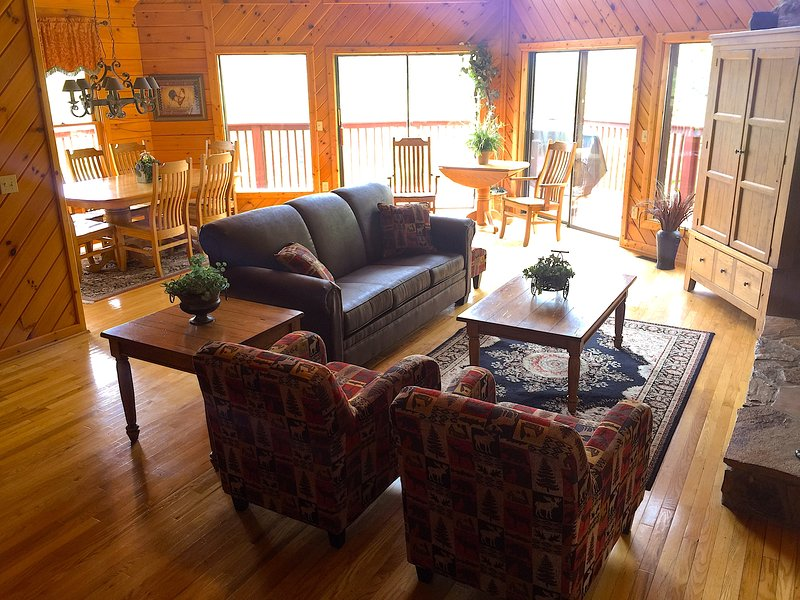 Enjoy the sitting area with a view & a fireplace - SPECTACULAR VIEW LUXURY SMOKY MT. CHALET 5 BR 3 BT - Sevierville - rentals