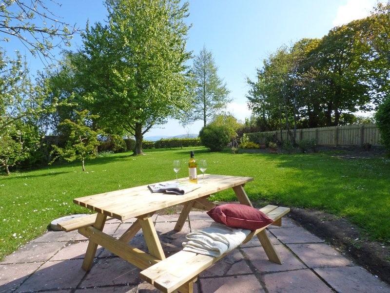 3 Tower Hill - Image 1 - Pembrokeshire - rentals