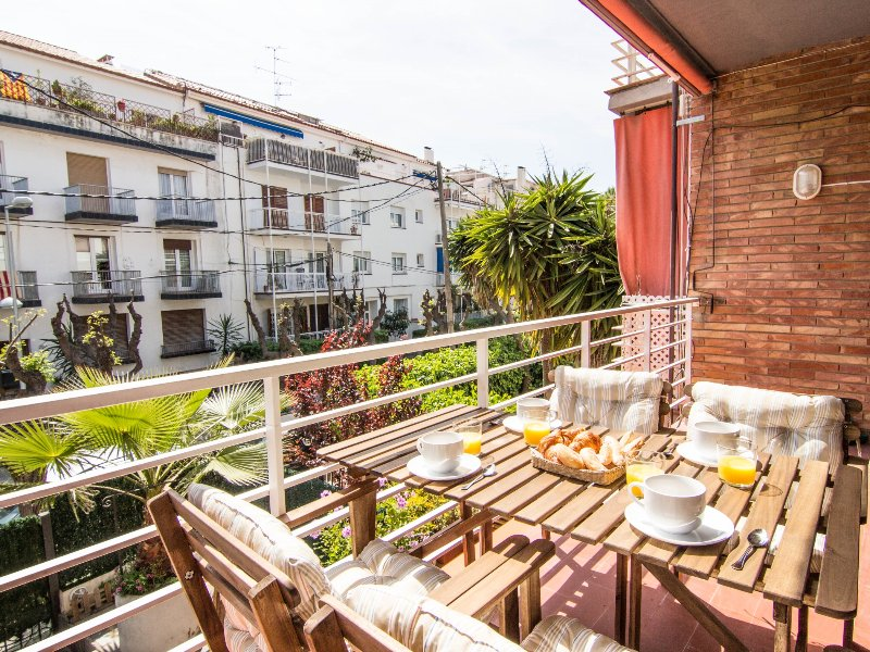 Large and only seconds from the beach of Sitges. - Image 1 - Sitges - rentals