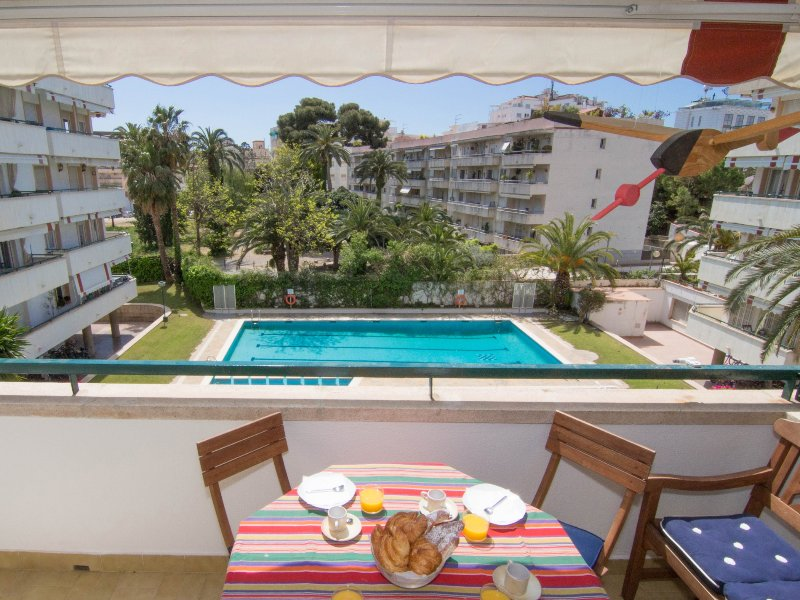 Comfortable central apartment in Sitges. - Image 1 - World - rentals