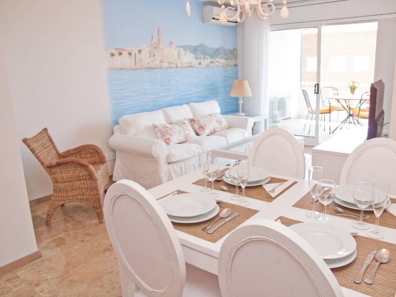 Elegant apartment with pool in Sitges. - Image 1 - World - rentals