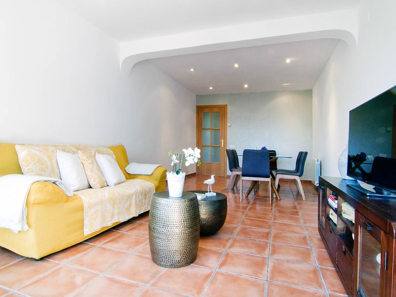 Comfortable and practical apartment with AC, wifi and parking in Sitges. - Image 1 - World - rentals