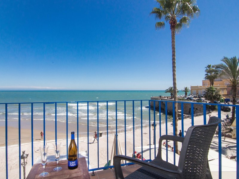 Romantic beach front apartment in Sitges. - Image 1 - Sitges - rentals