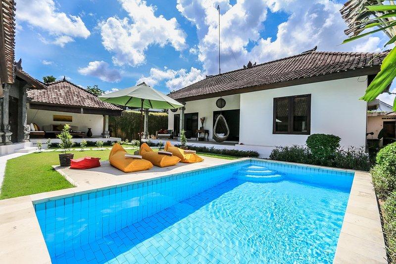 "Pevali - 3 Bedroom Spacious Villa,  ""Eat Street"" Location, Central Seminyak - Image 1 - Seminyak - rentals"
