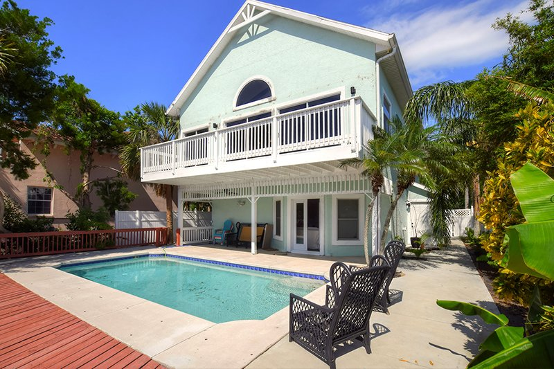 JUNE/JULY $PECIALS - LUXURY HOME W/ POOL & DOCK - RIVERFRONT- 3BR/3BA -  #3110 - Image 1 - Ormond Beach - rentals