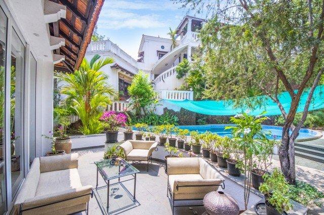 Exterior - Palatial 4-BR villa with tastefully done interiors, 3 km from Candolim Beach - Candolim - rentals