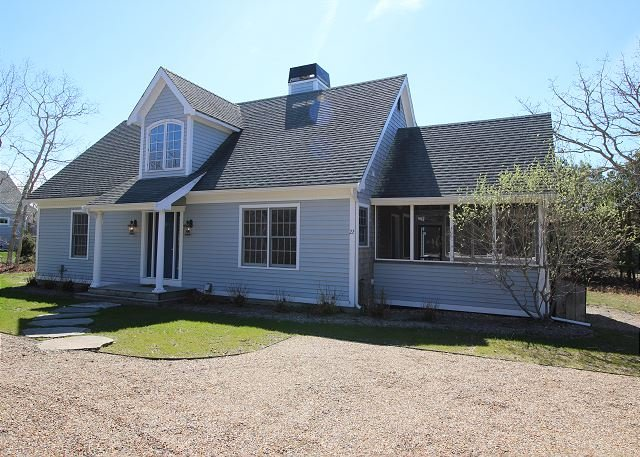 Beautiful New Listing in Bold Meadow with Air Conditioning - Image 1 - Edgartown - rentals