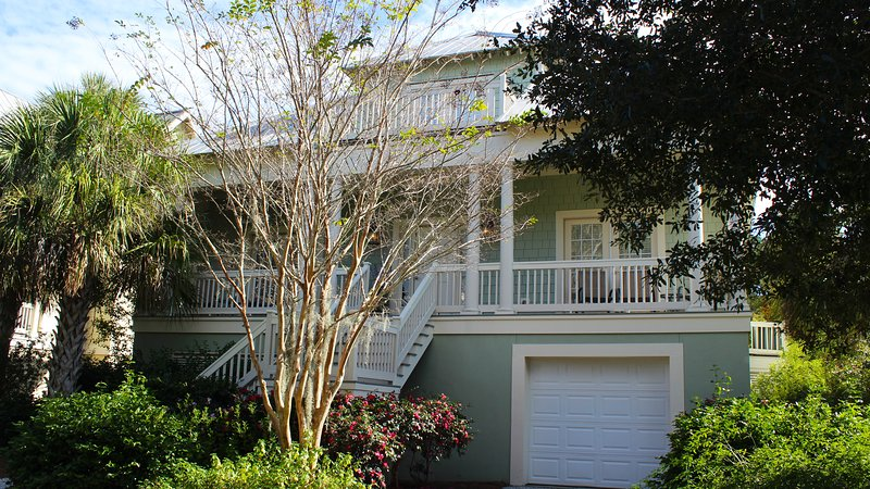This fabulous family home has 3 BR, 2.5 BA, and is pet friendly. - 3005 Seabrook Village Drive - Seabrook Island - rentals
