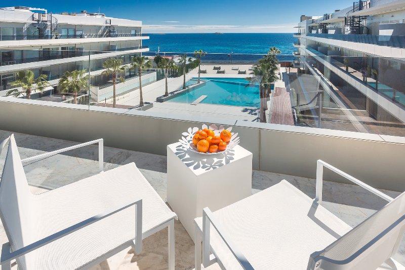 Apartment Escape 4 - Image 1 - Playa d'en Bossa - rentals