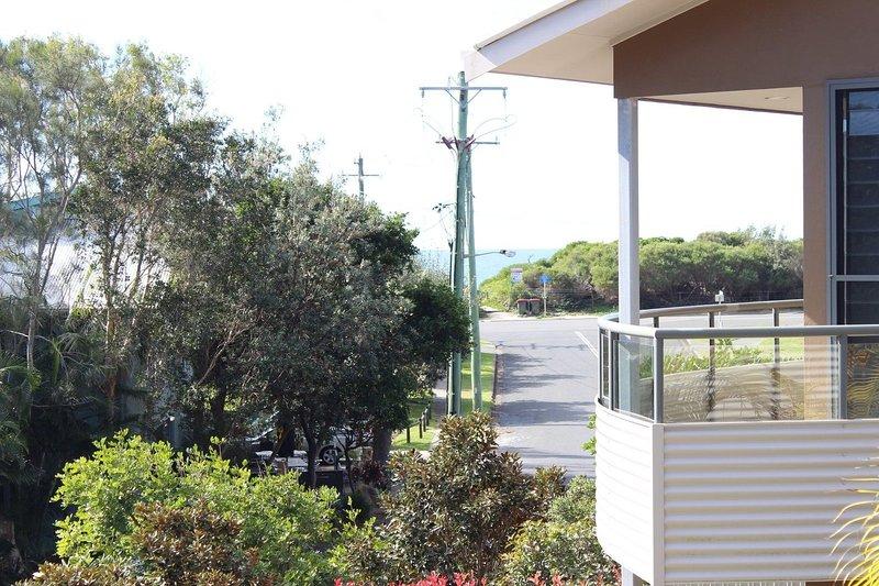 BOOM 5   -  5/11-13 Redgum Road Boomerang Beach - Image 1 - Blueys Beach - rentals