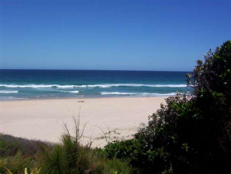 BANGALEE   -   1/12 Blueys Way Blueys Beach - Image 1 - Blueys Beach - rentals