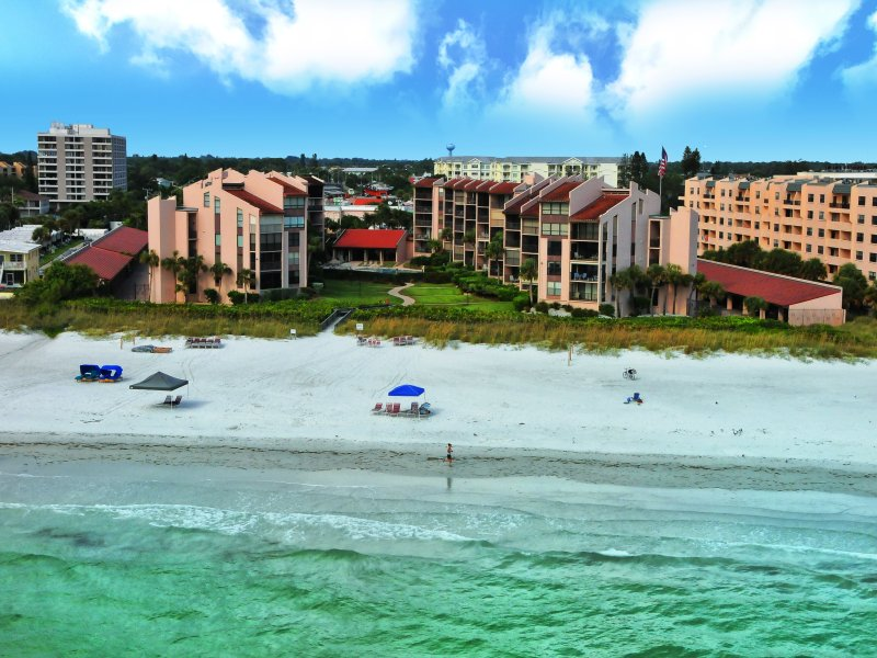 Aerial image of Siesta Breakers condominium, located directly beachfront at Crescent Beach on Siesta Key - Siesta Breakers Siesta Breakers Unit 403 - Siesta Key - rentals