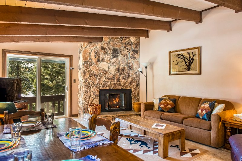 """Open and airy living space with 43"""" flatscreen TV.  RELAX after a day on the slopes! - Large 2/2 Angel Fire Condo Near Ski/Bike Lift! - Angel Fire - rentals"""