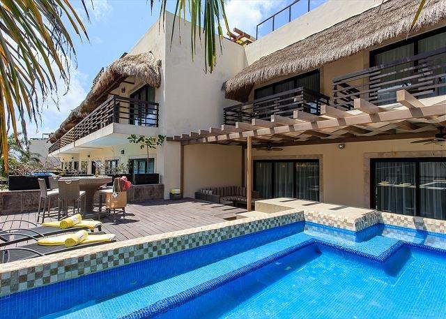 BEAUTIFUL CONDO with enormous terrace & private pool-Mamitas Beach - Image 1 - Playa del Carmen - rentals