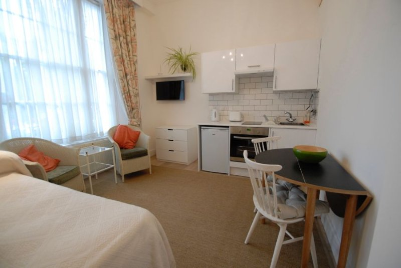 Ground floor Studio - Central London Kensington Gardens Apartment Studio (701) - London - rentals