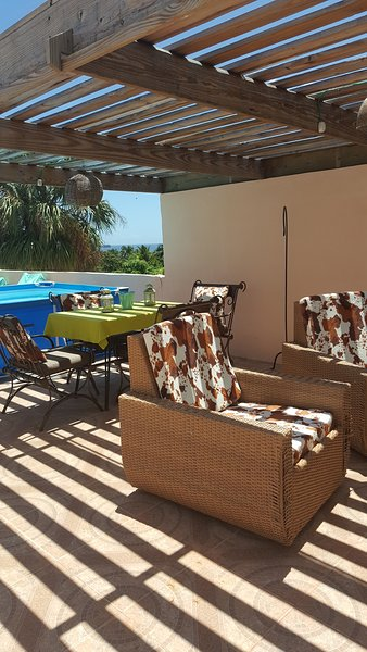 rooftop terrace with lounge furniture dining area and private pool - Penthouse with rooftop terrace and private pool free wifi and netflix, sleeps 5 - Puerto Plata - rentals