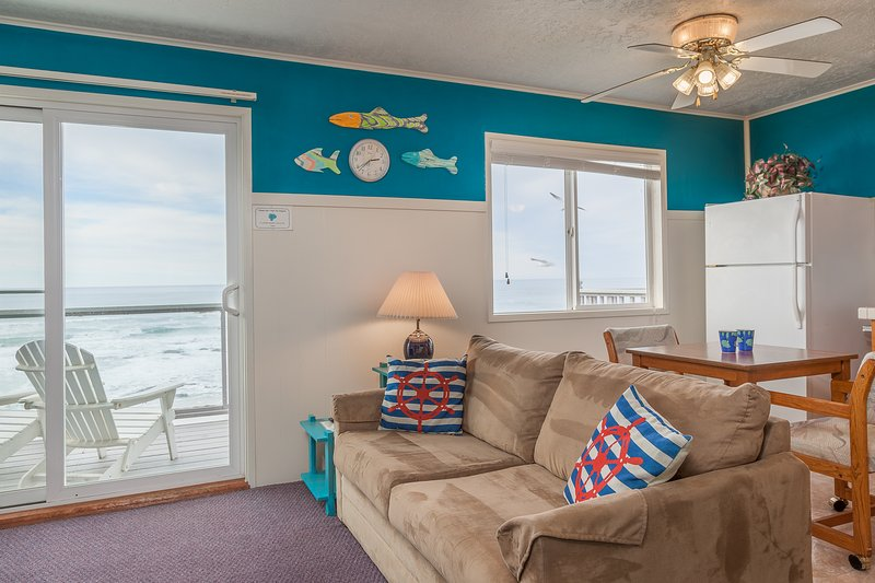 Weatherly - 1 BD, beachfront, kitchen, fireplace - Image 1 - Lincoln City - rentals