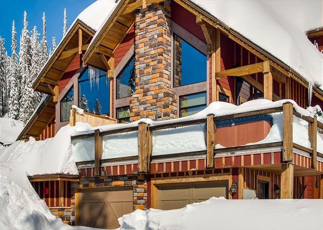 Grizzly Ridge 1 - Grizzly Ridge #1 Upper Snowpine Location Sleeps 9 - Big White - rentals
