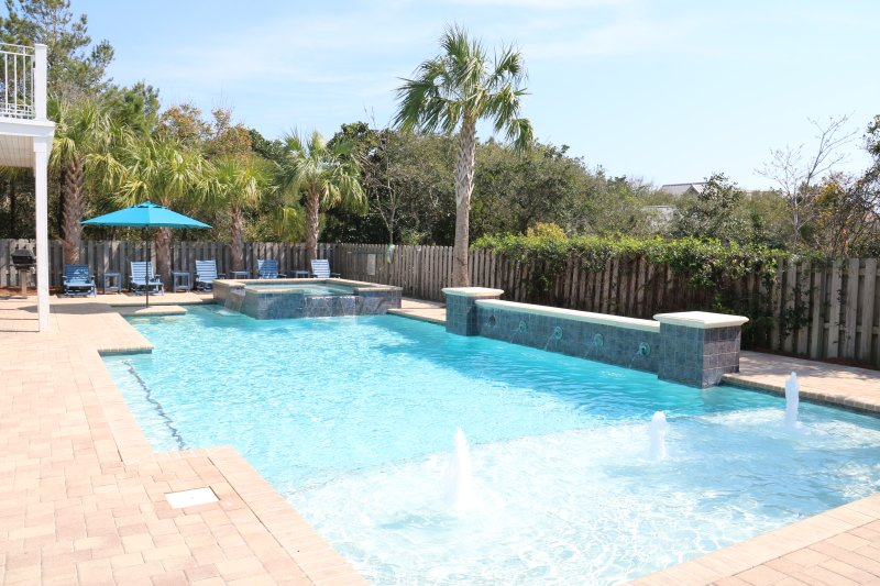 49x20 fantasy pool w/14 person hottub, table with builtin bar stools. Tan shelf - 8Br Fantasy Pool/Pvt beach - Huge game room! - Destin - rentals