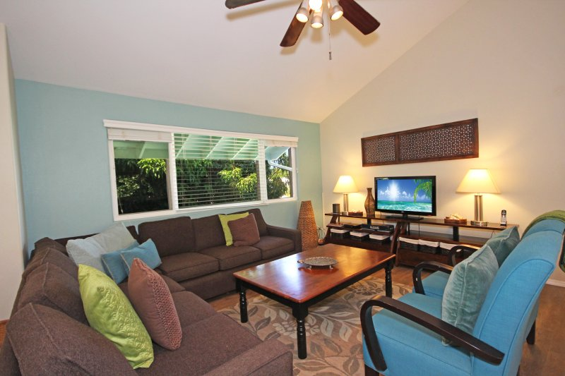 Living Room - Hale Momo: A Private Family Oasis Near Poipu & Brennecke's Beaches - Koloa - rentals