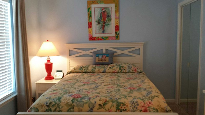 Summerspell # 304 *CHEERFUL 1 BEDROOM CONDO WITH AWESOME VIEWS* - Image 1 - Destin - rentals
