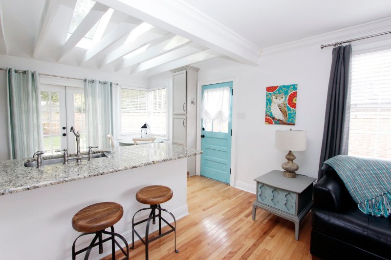 RISE AND SHINE - Relaxing cottage with deck! - Image 1 - Metairie - rentals