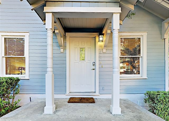 Exterior - 3BR/2BA Home Close to Zilker Park, ACL and downtown - Austin - rentals