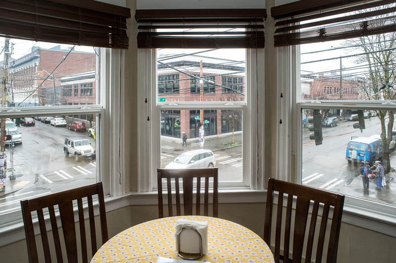 St. John's # 203 - 2 BR, Sleeps 6 - Great Location - Image 1 - Seattle - rentals