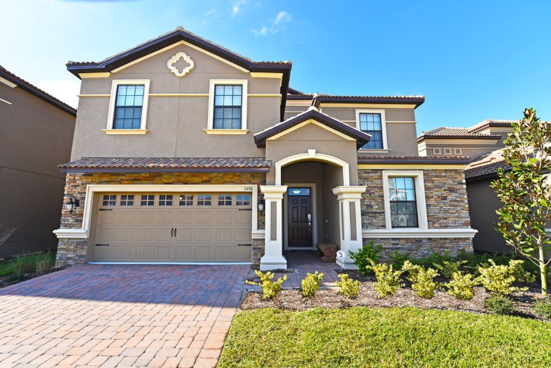 Champions Gate 8BR 5Bath Frozen room, south facing pool & 2 game rooms from $260 - Image 1 - Davenport - rentals