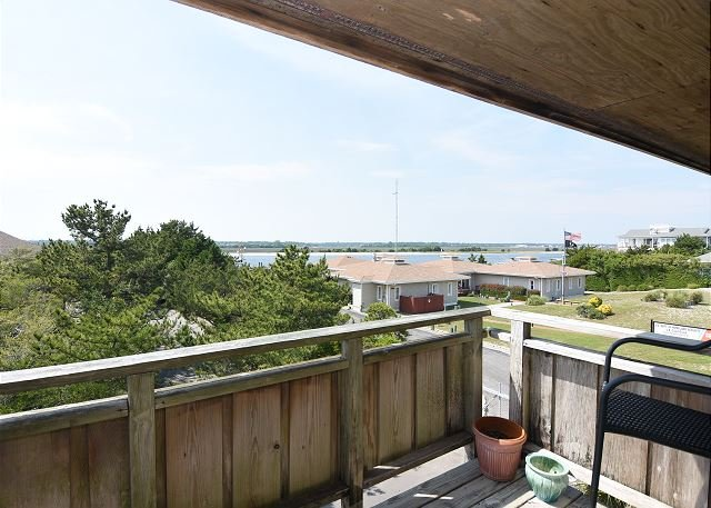 Seaside Seven Water View Deck - Seaside Seven is a spacious and bright house with sound and ocean views! - Wrightsville Beach - rentals