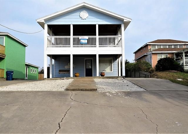 3 bedroom 2 bath remodeled home just a short walk to the beach! - Image 1 - Port Aransas - rentals