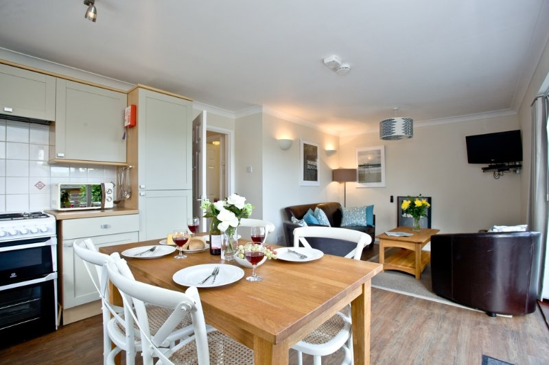 Edhen, The Park  located in Newquay, Cornwall - Image 1 - Newquay - rentals