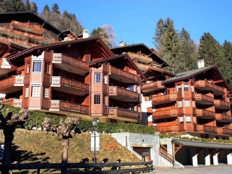 3 bedroom Apartment in Champery, Valais, Switzerland : ref 2298677 - Image 1 - Champéry - rentals