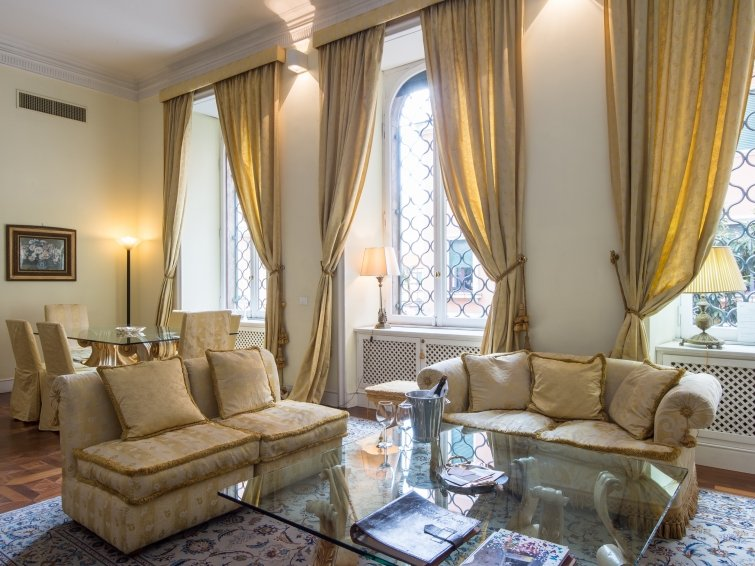3 bedroom Apartment in Rome Historical City Center, Lazio, Italy : ref 2098557 - Image 1 - Colonna - rentals