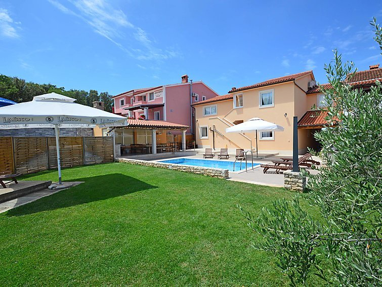 7 bedroom Villa in Stinjan, Istria, Croatia : ref 2098080 - Image 1 - Stinjan - rentals