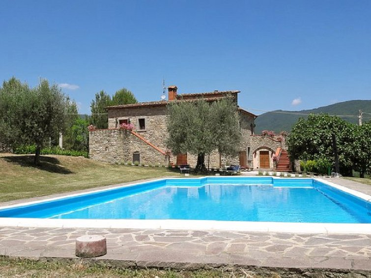7 bedroom Villa in Umbertide, Umbria, Italy : ref 2014305 - Image 1 - Mercatale di Cortona - rentals
