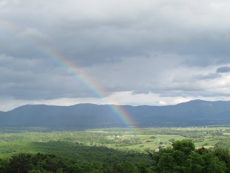 Rainbow over Page Valley - /\^/\Secluded Mountain Getaway/\^/\ - Luray - rentals
