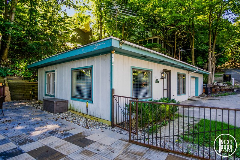 The Cottage on Perryman - Image 1 - Saugatuck - rentals
