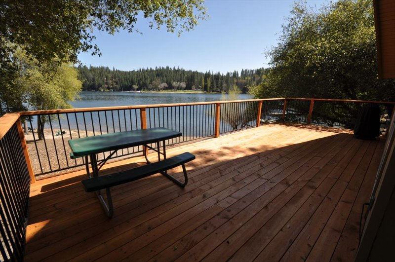 Back deck, Pine Mountain Lake vacation rental at the lake and beach. - Lakefront adjacent to Dunn Court Beach Gorgeous View WIFI Near Yosemite - Groveland - rentals