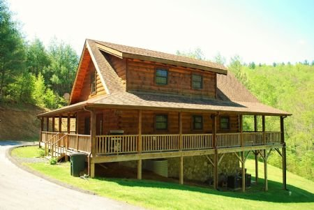 A New Outlook - A New Outlook-Upscale Log Cabin, hot tub, air hockey, private, near river, gas - West Jefferson - rentals