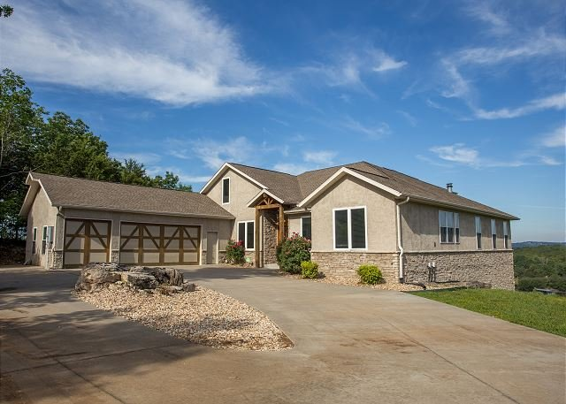 Majestic Overlook - Majestic Overlook relax at this 6 bedroom, 4.5 bath home with a private pool! - Branson - rentals
