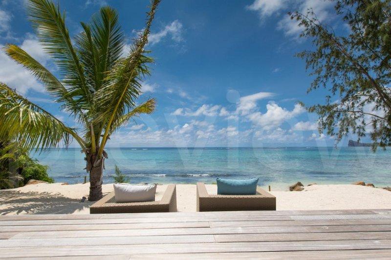 Villa AZURA - modern Beach Villa with private pool - Image 1 - Pereybere - rentals