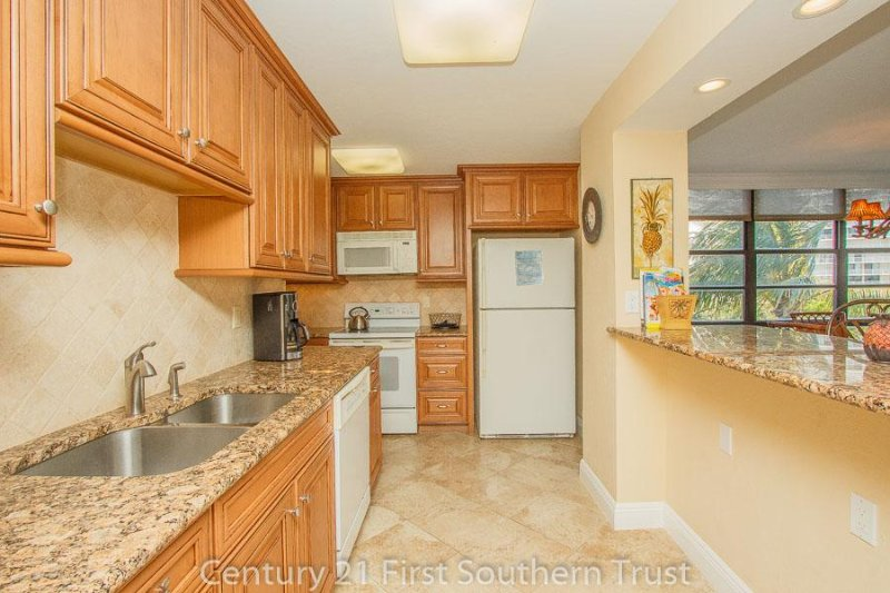Kitchen - SST3-306 - South Seas Tower - Marco Island - rentals