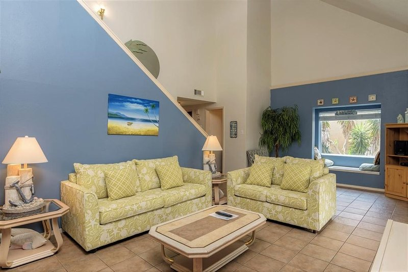 BAY FRONT townhome condo, pool & BOAT SLIP!  Just a short walk to the BEACH! - Image 1 - South Padre Island - rentals