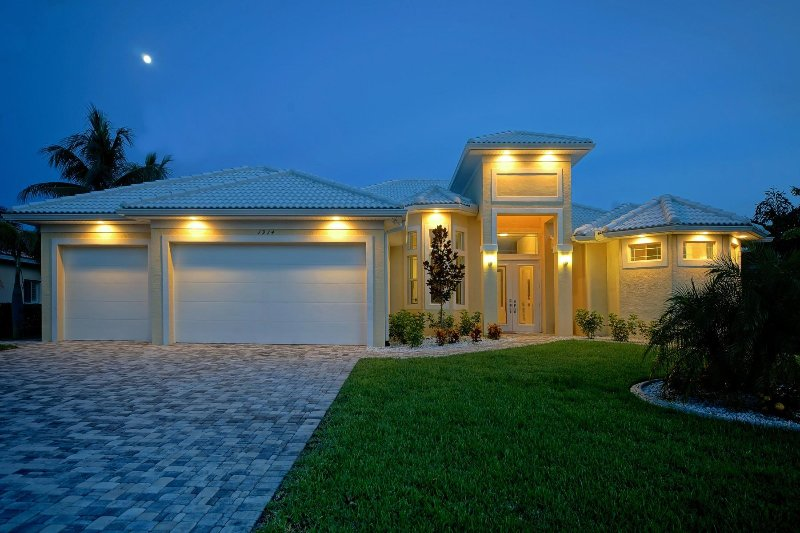 Villa Yellow Paradise - Image 1 - Cape Coral - rentals