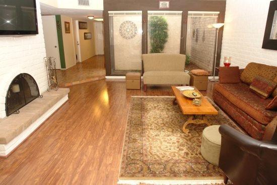 liviing room from the back sliding door view - Catalina Del Rey - Tucson - rentals