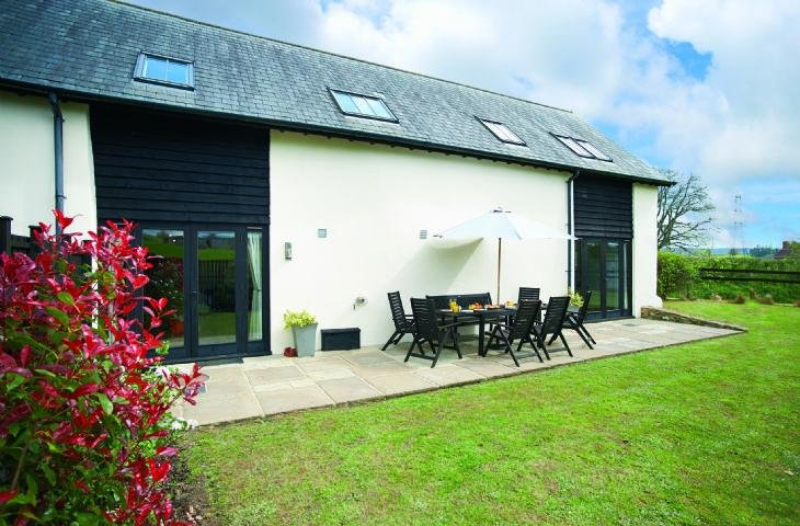 Lower Curscombe Barn - Image 1 - Buckerell - rentals