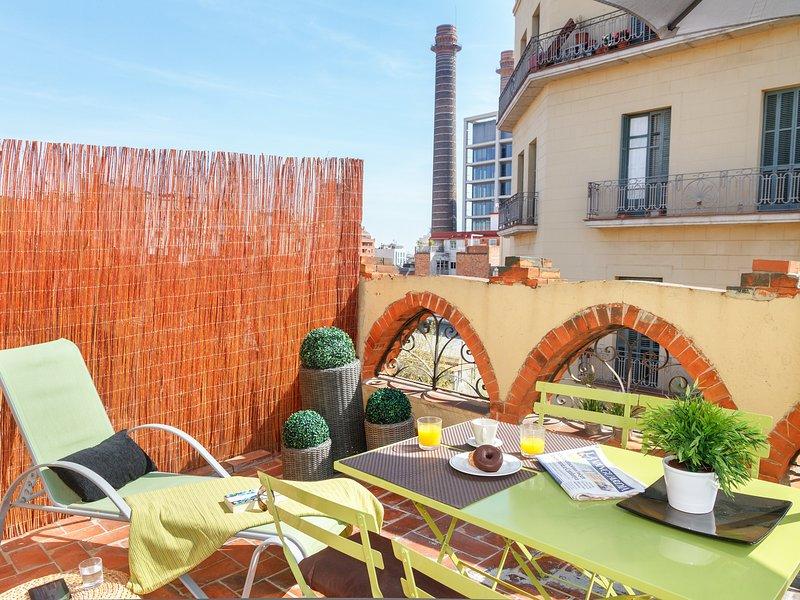 Vila one bedroom with rooftop penthouse - Image 1 - Barcelona - rentals