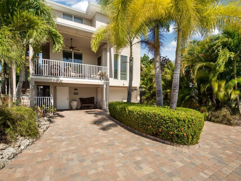 1/28: Front of house - Upscale, Brand New Island Retreat surrounded by lush tropical gardens with - Fort Myers Beach - rentals