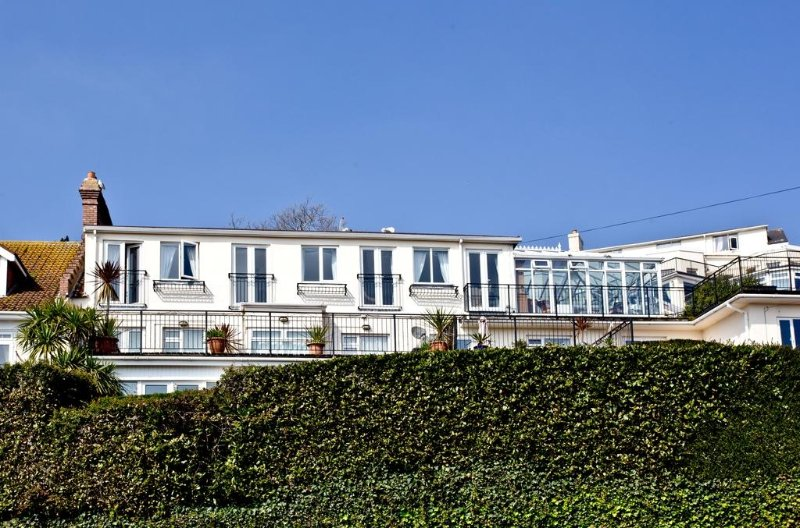 The Penthouse, 7 Roundham Heights located in Paignton, Devon - Image 1 - Paignton - rentals